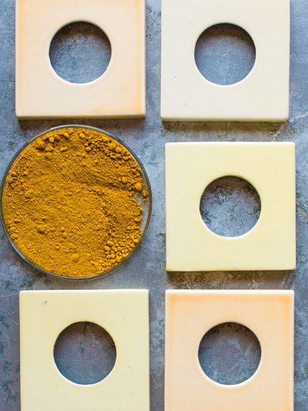 Image: Colortests ceramic single covers with pigment powder © VeggieinPumps
